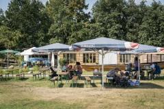 Essen und Trinken  im Café des  Modellparks